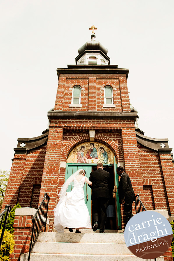 bride entering Russian Orthodox Church