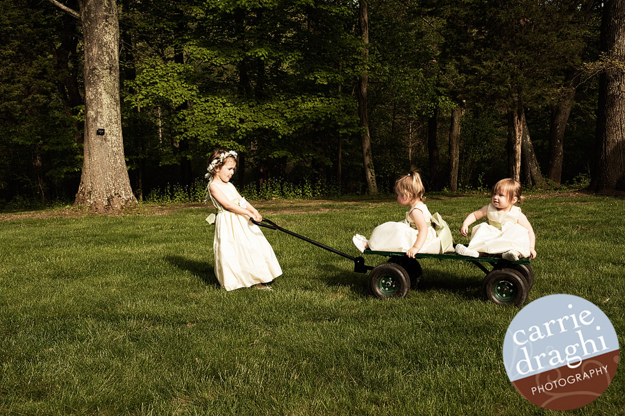 flowergirls play with wagon at Wadsworth Mansion